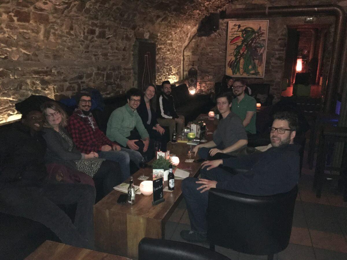 Ansprechbar Bar